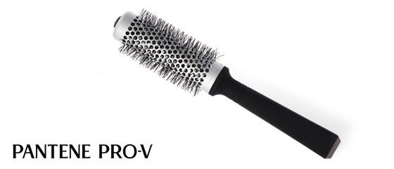 Bürstentipps von Sacha Schütte zur Pantene Pro-V Anti Haarverlust Pflegeserie 02