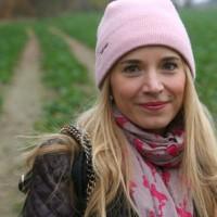 Laura Scott Weste und Tasche Outfit 01