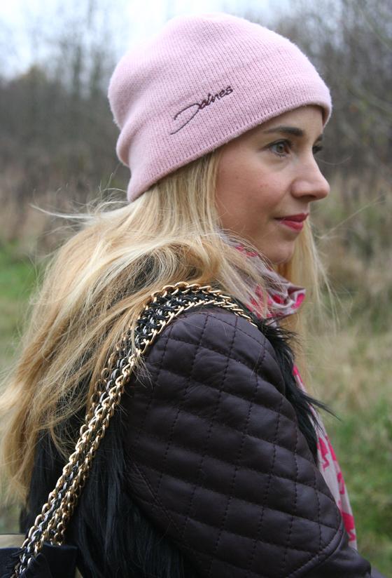 Laura Scott Weste und Tasche Outfit 05