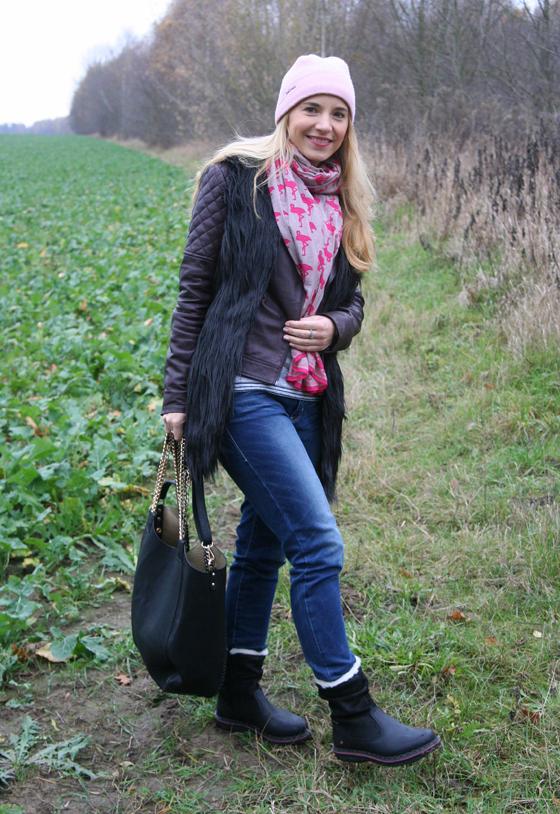 Laura Scott Weste und Tasche Outfit 07