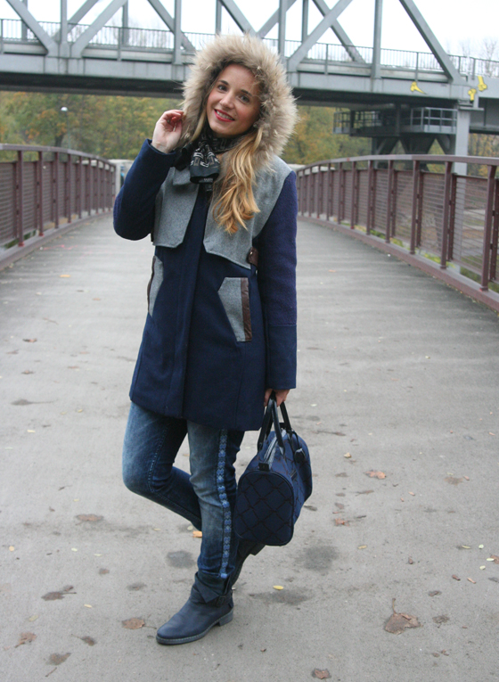 Outfit Blauer Mantel 02