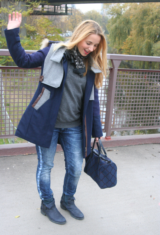 Outfit Blauer Mantel 03