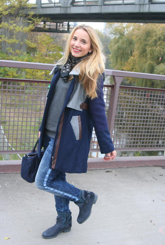 Outfit Blauer Mantel 05