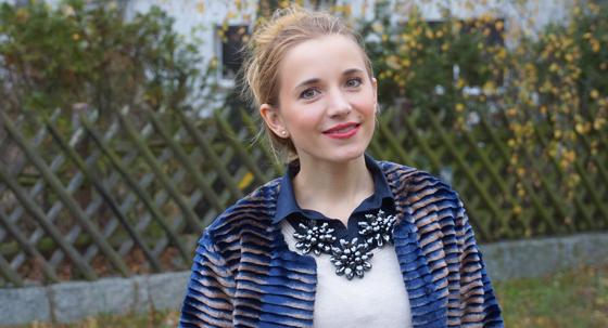 Sarah Kern Mantel Webpelz Outfit 01