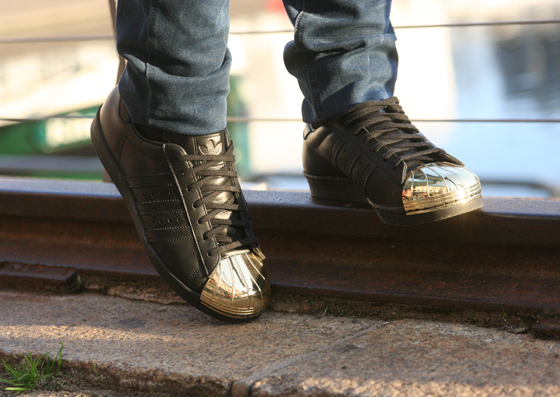 Superstar 80s Metal Toe Turnschuhe Outfit 06