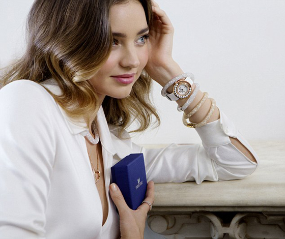Miranda Kerr funkelt für Swarovski Kampagne Frühjahr Sommer 2015 03