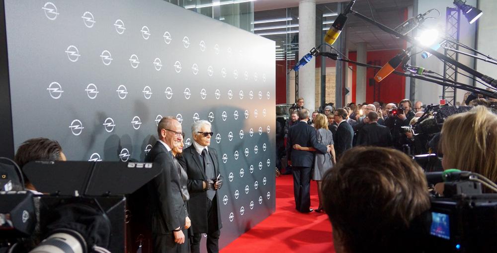 Corsa, Karl Lagerfeld & Choupette Ausstellung in Berlin 01