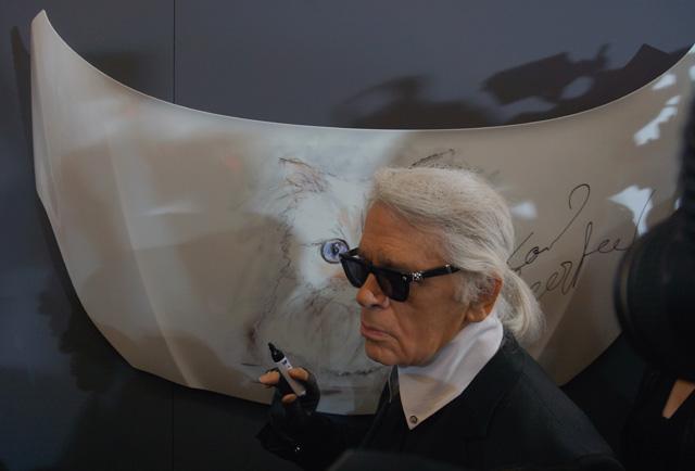 Corsa, Karl Lagerfeld & Choupette Ausstellung in Berlin 05