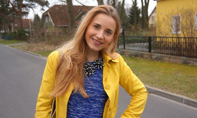 Gelber Gute-Laune-Mantel Sisley Outfit 01