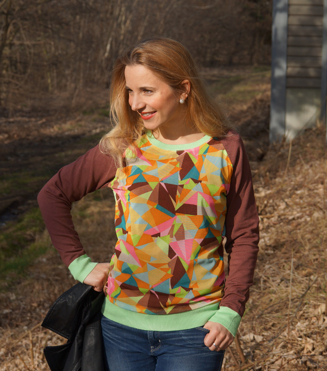 Pullover mit grafischem Muster von Sarah Kern 02
