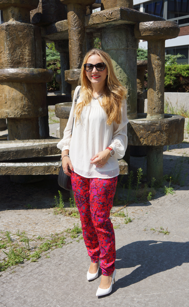 Outfit Sheen Uhr rot 02