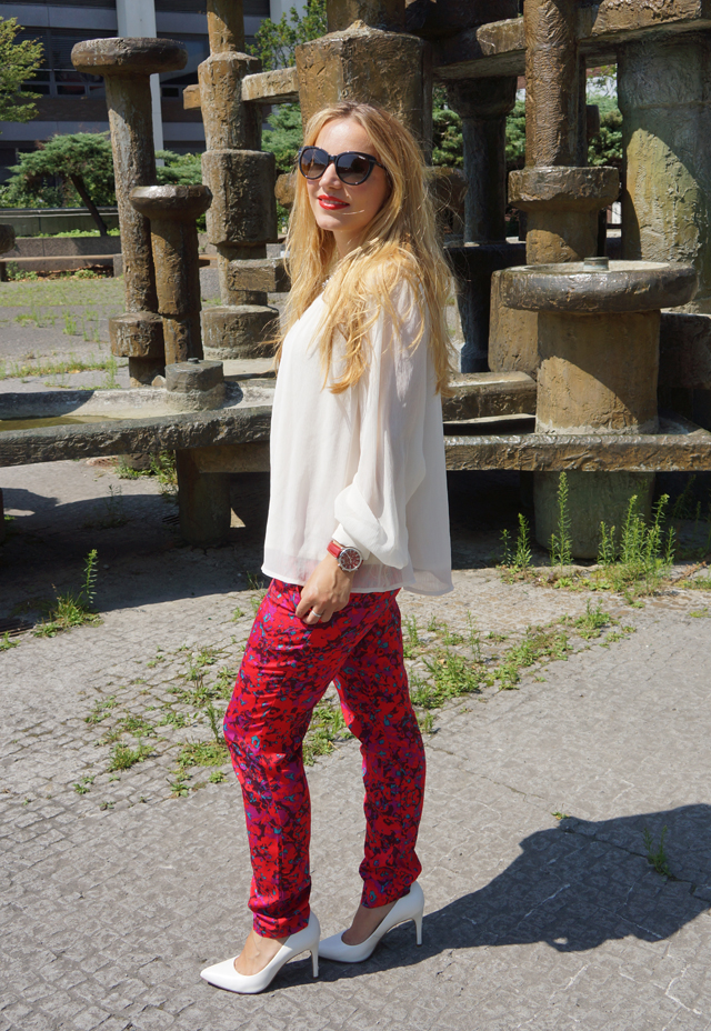 Outfit Sheen Uhr rot 03