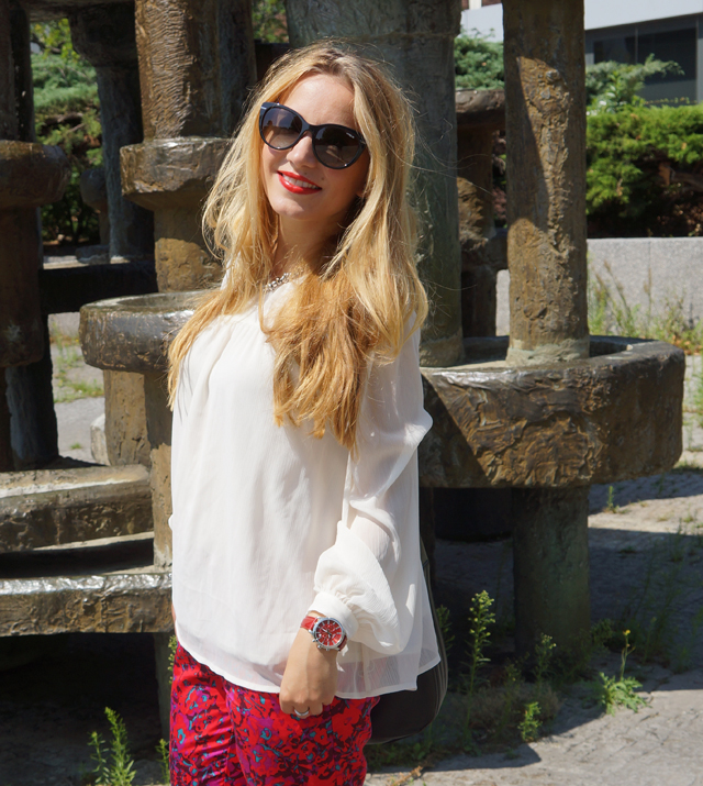 Outfit Sheen Uhr rot 06