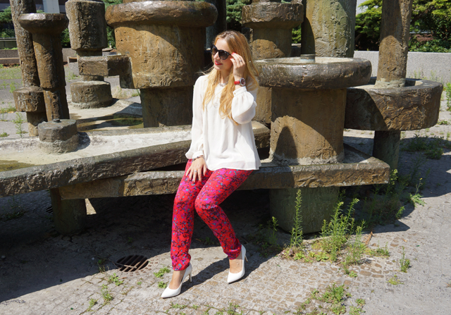 Outfit Sheen Uhr rot 07