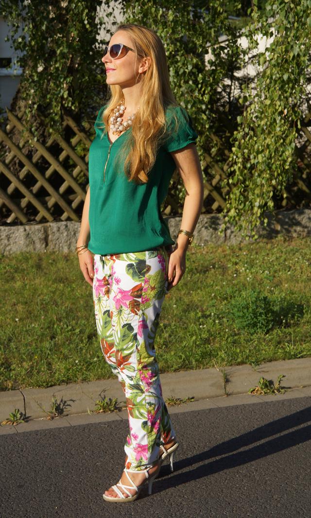 Outfit Blumenhose Daria 03