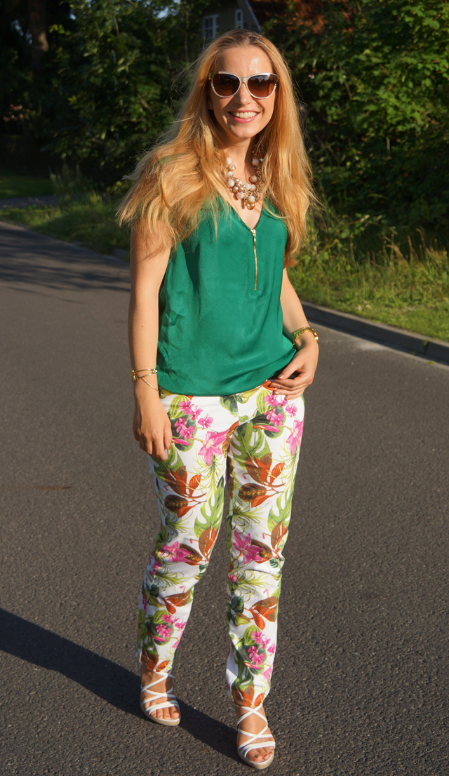 Outfit Blumenhose Daria 05