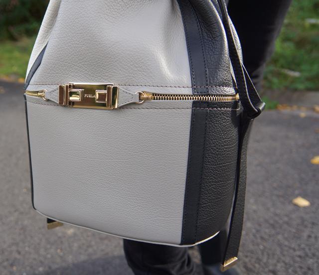 Outfit Furla Bucket Bag 05