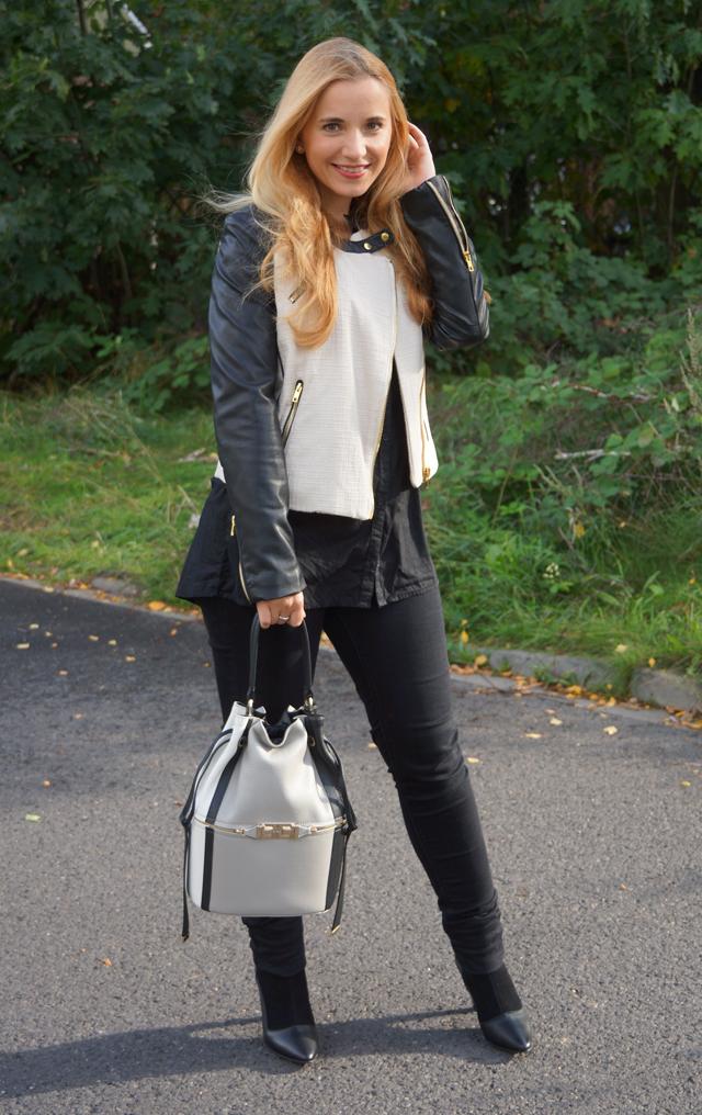 Outfit Furla Bucket Bag 06