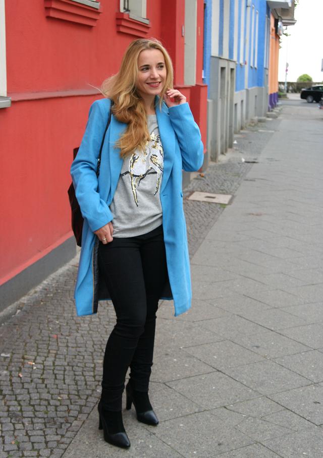 Outfit OTTO blauer Mantel Bruno Banani 05