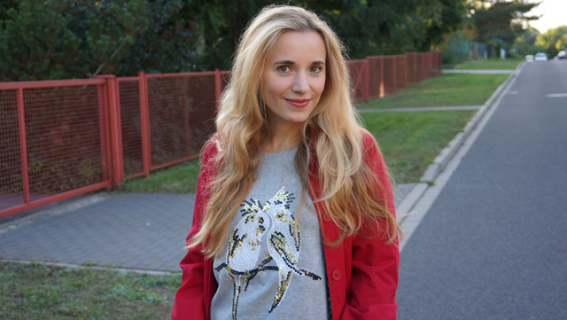 Outfit Pailletten-Papagei-Pullover AJC 01