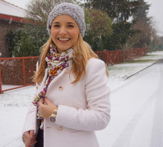 Outfit Weiß wie Schnee Caravelle New York Uhr 05