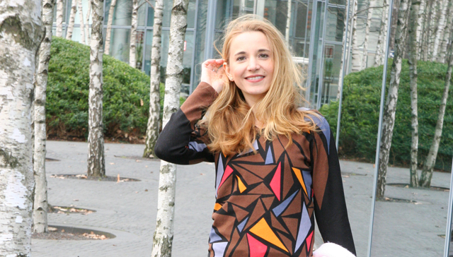 Outfit Ovanti Pullover mit Dreiecken 01