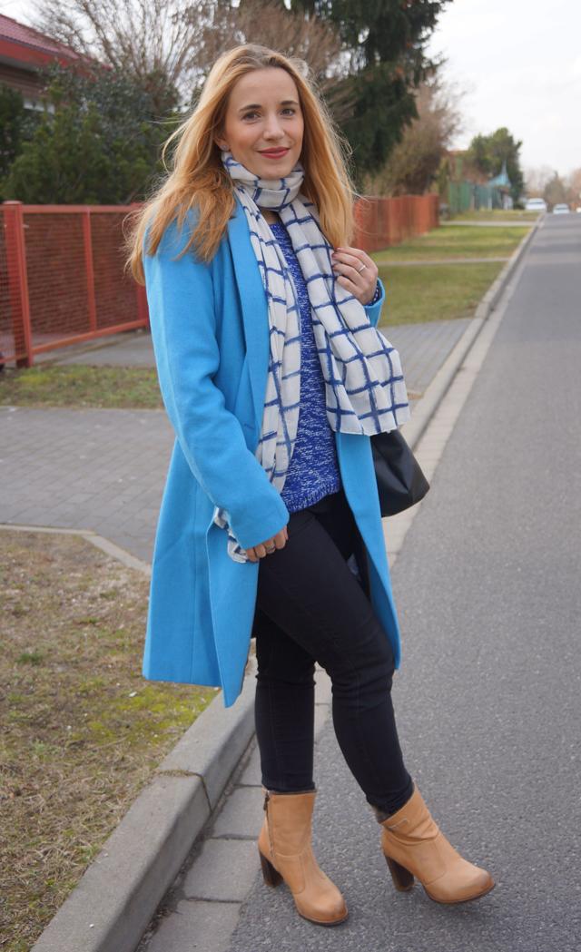 Outfit Blauer Mantel Bruno Banani 03