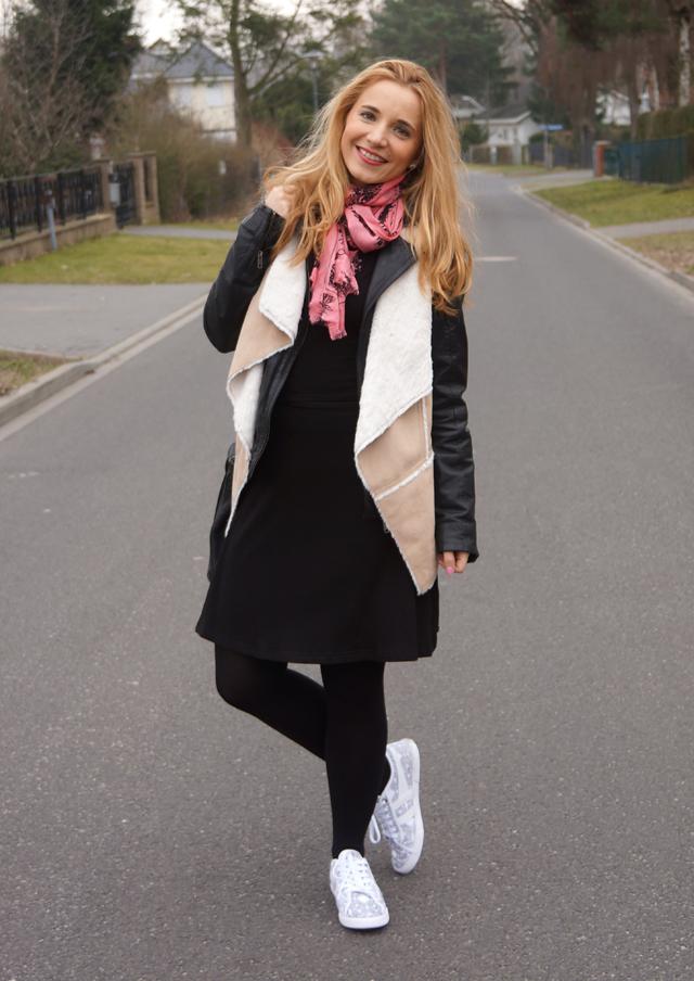 Outfit Sneaker Gola Azalea Leaves Blätter Print 02