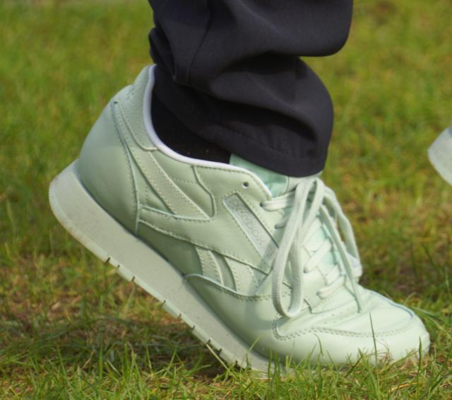 Outfit grün Pastell Sneaker Reebok Classic Turnschuh 04