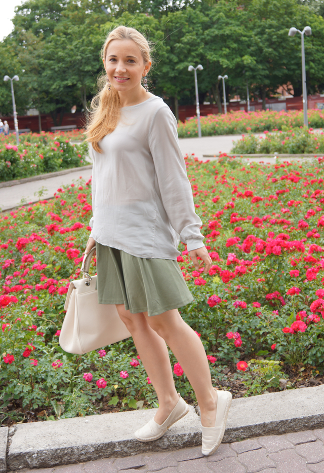 European Culture Outfit Bluse 04