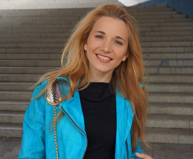 Outfit Rock Chic mit Bomboogie Lederjacke blau 02