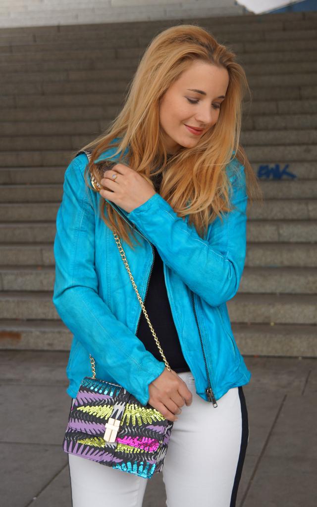 Outfit Rock Chic mit Bomboogie Lederjacke blau 05