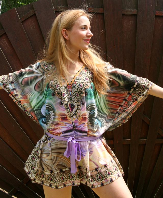 Zugeschnürt Shop Tunika mit Strass Outfit 07