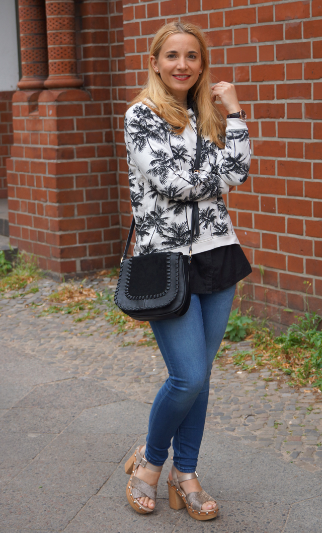 Outfit Palmen-Print-Pullover 04