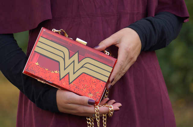 outfit-wonder-woman-bag-05