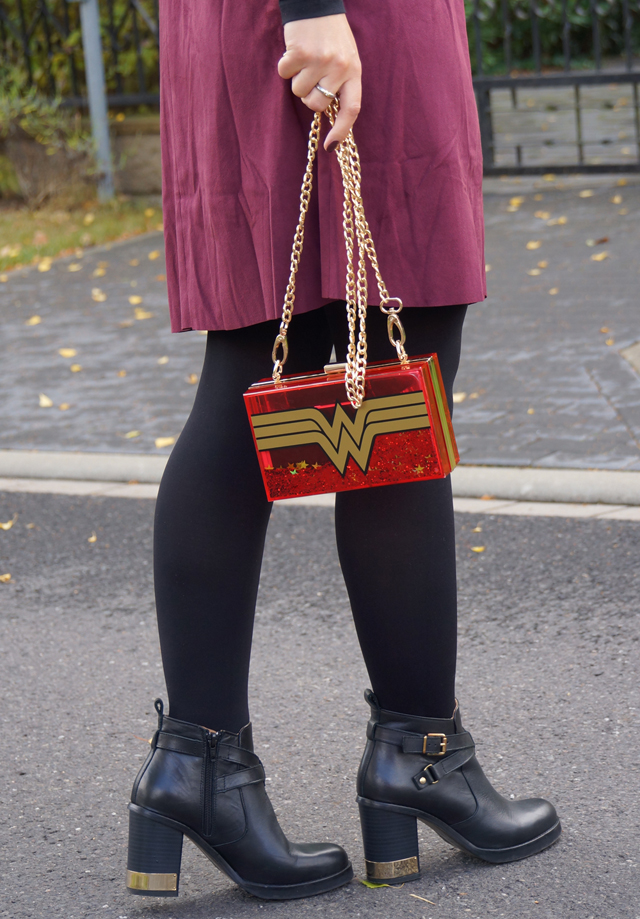 outfit-wonder-woman-bag-06