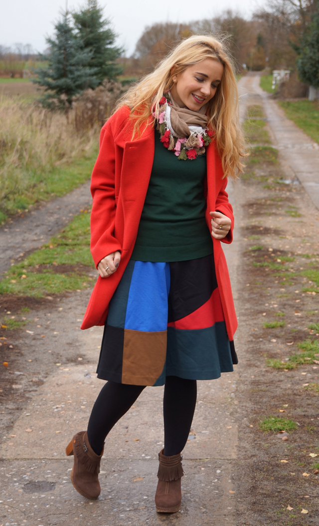 roter-mantel-outfit-02