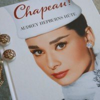 Buch CHAPEAU Audrey Hepburns Hüte Midas Collection 01