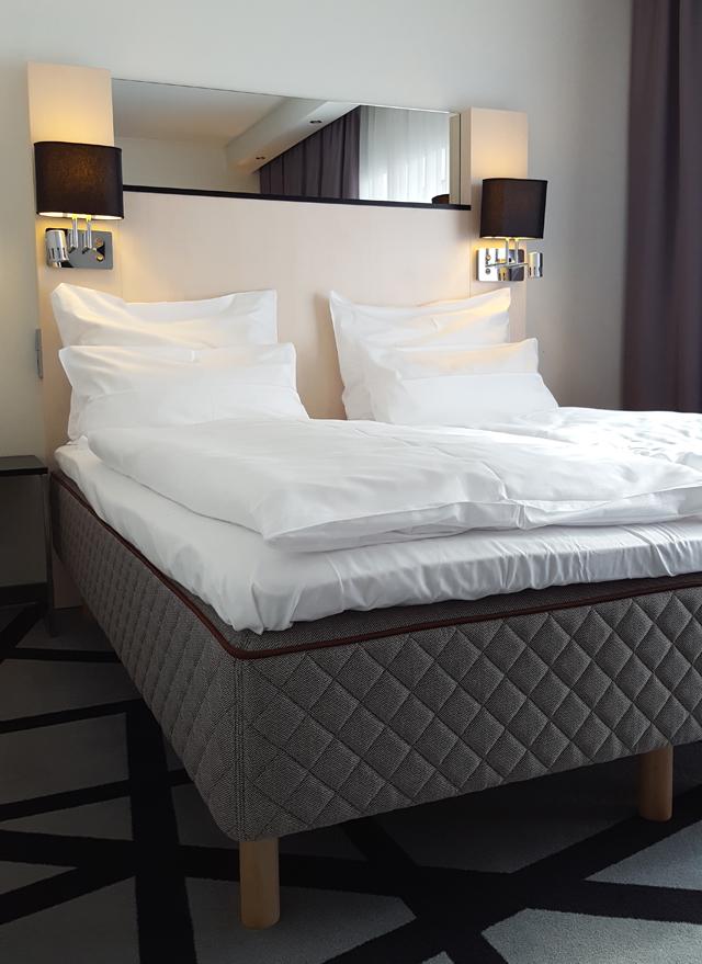 Dux Matratze Test Hotel Scandic Berlin Kurfürstendamm Bett Duxiana 04