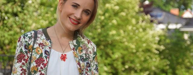 Outfit Zara Blumen Blouson Mai Piu Senza Sandaletten 01