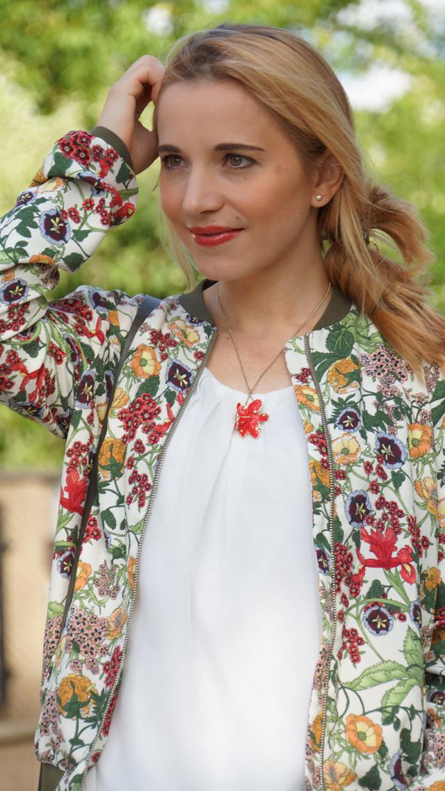 Outfit Zara Blumen Blouson Mai Piu Senza Sandaletten 02