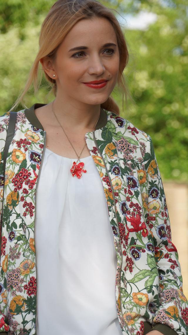 Outfit Zara Blumen Blouson Mai Piu Senza Sandaletten 07