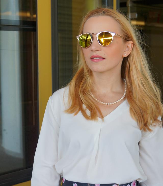 Outfit Kirschblütenrock und weiße Bluse 11