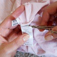 Pflegeetiketten in der Kleidung - Abschneiden oder dran lassen