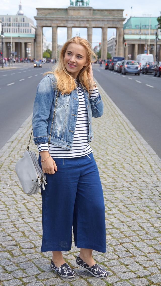 Outfit Blaue Culotte und Bretonshirt 9