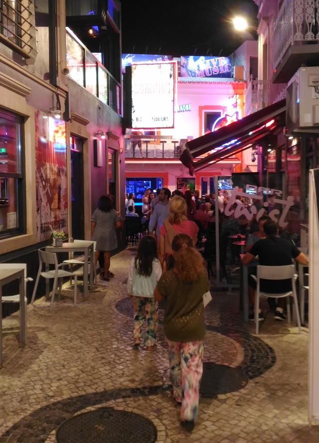 Albufera Altstadt bei Nacht 02