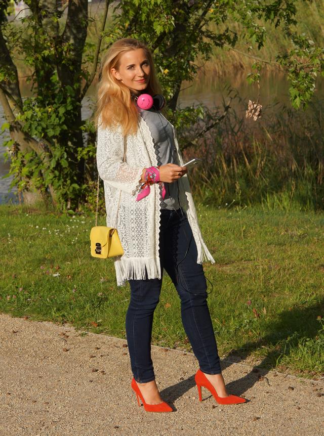 Outfit Pinke Kopfhörer und Herbstblues 02