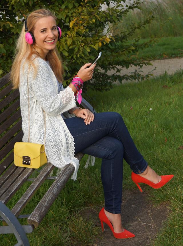 Outfit Pinke Kopfhörer und Herbstblues 08