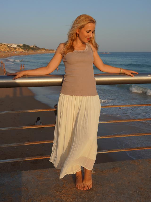 Outfit Weiße Sommer-Culotte & Tanktop mit Spitzenbesatz 2