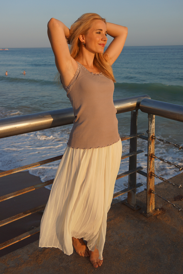 Outfit Weiße Sommer-Culotte & Tanktop mit Spitzenbesatz 8